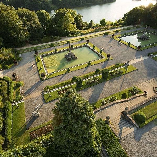 Blenheim Formal Gardens.jpg