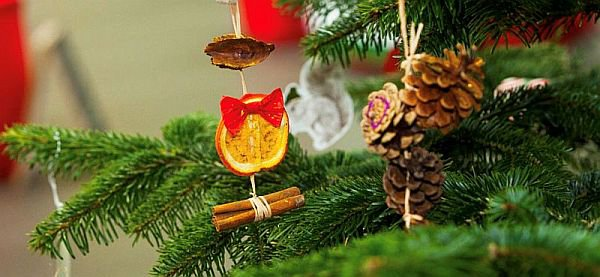 Christmas tree (detail).jpg